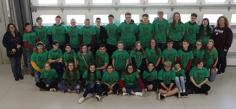 8th Graders Enjoy Go Ivy Day