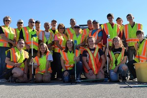 Rotary and Interact Club Team Up to Clean Up